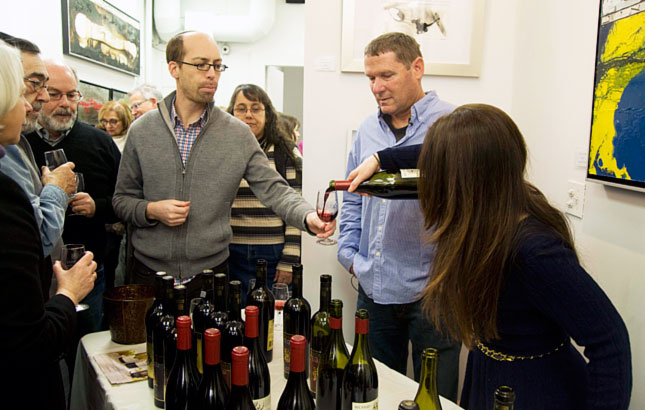 Estie Wartenberg and winemaker Gil Shatsberg, serving Recanati wines